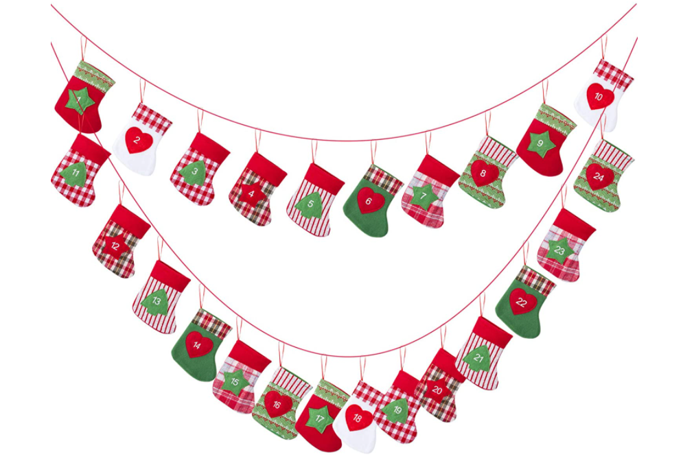 Kesote クリスマス 飾り アドベントカレンダー クリスマス くつした カレンダー オーナメント カウントダウン クリスマスガーランド 吊りバナー 1から24まで 紐4.7m 袋15x13cm クリスマスギフト クリスマスソックス プレゼントバッグ 壁掛け 装飾 お菓子入り 置物