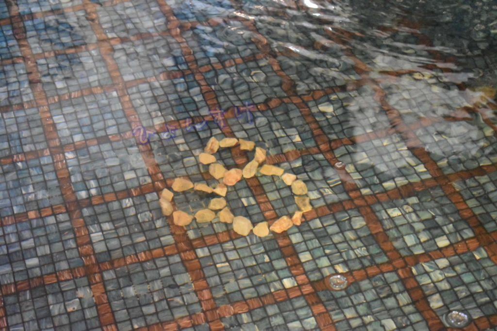 ディズニーランドホテル ロビー 噴水 隠れミッキー