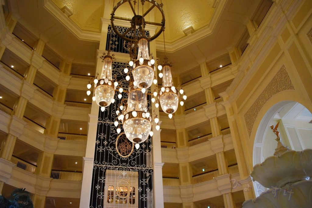 ディズニーランドホテル エレベーター