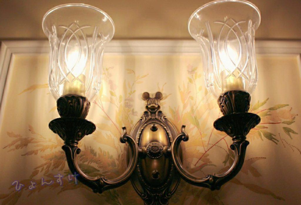 ディズニーランドホテル 客室フロア ランプ