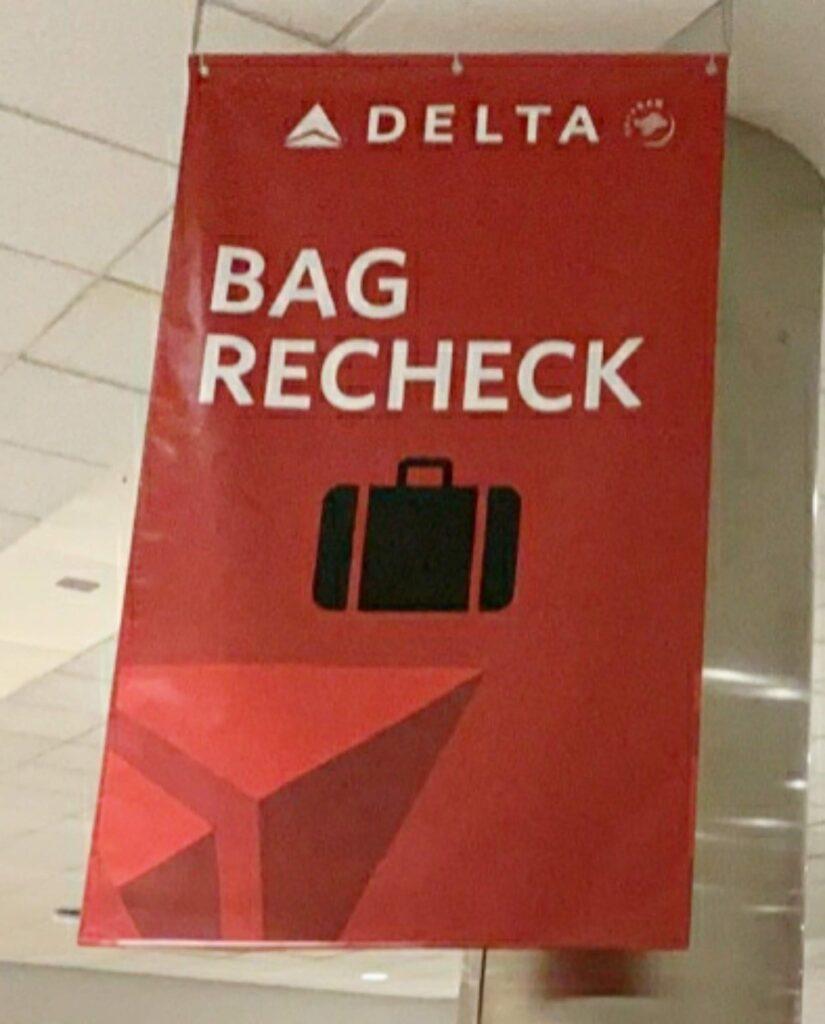 デトロイト空港 乗り継ぎの流れ 荷物再度預け