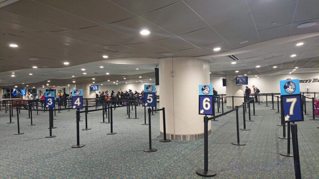 WDW旅行 オーランド空港 ディズニーマジカルエクスプレス受付